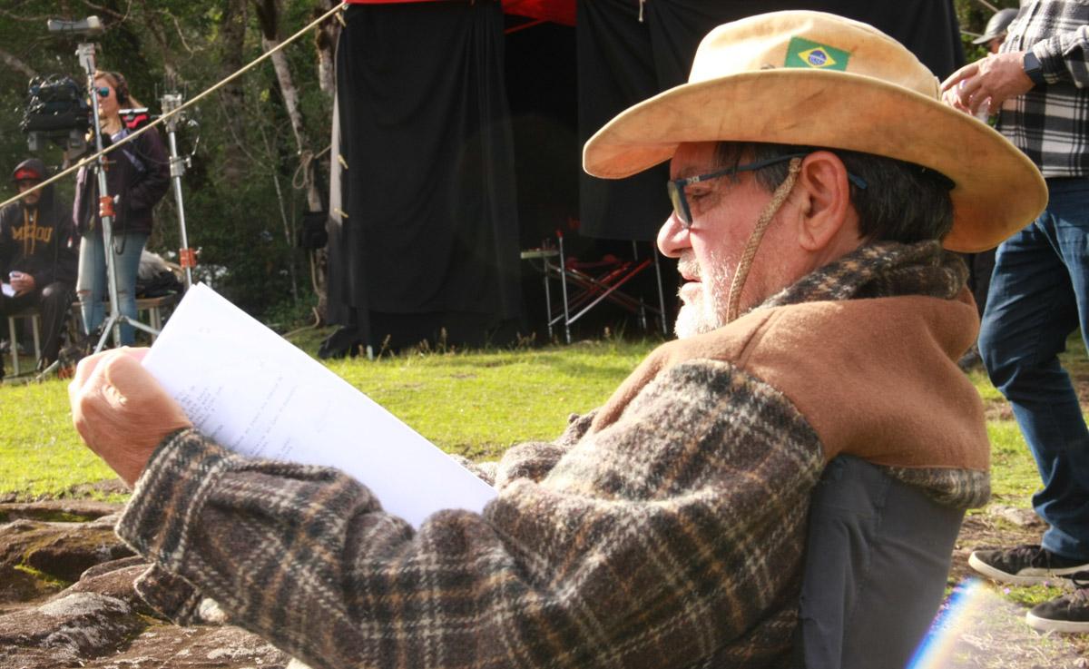 27. O diretor Tabajara Ruas no set de ACGS - by Mariana Catalane
