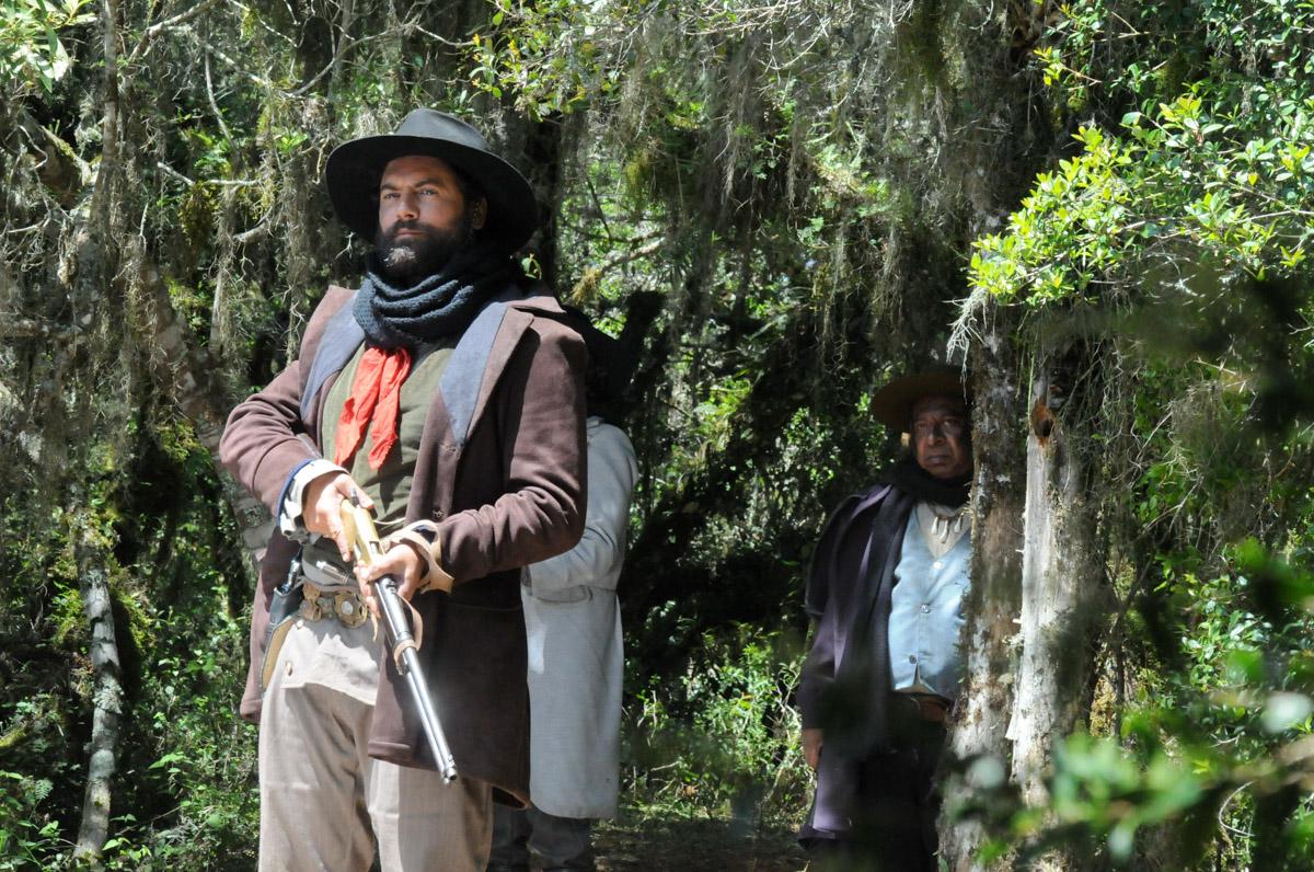 6. Leonardo Machado (capitão Francisco Saraiva) by Dulce Helfer