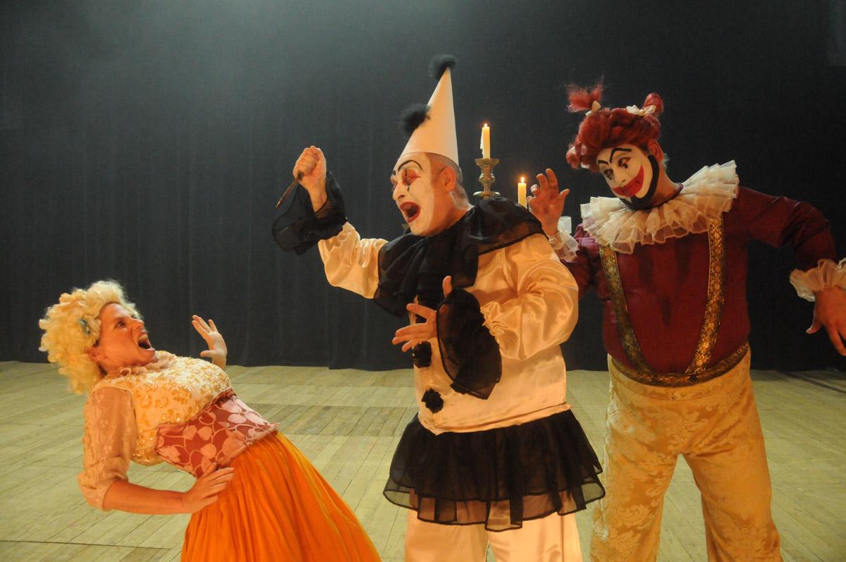 6. Opera Pagliacci by Dulce Helfer